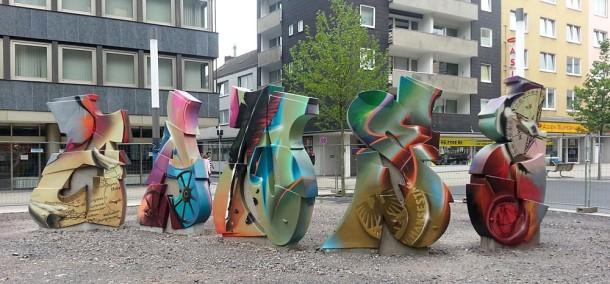 Graffiti Skulptur Dortmund am Brüderweg / Pylon