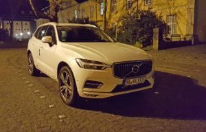 Volvo XC60 (2018) in der Nacht in Essen-Werden